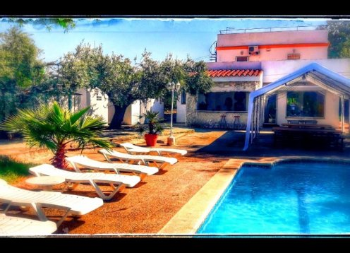 Mansion Ibiza house with pool, wifi for 26 people